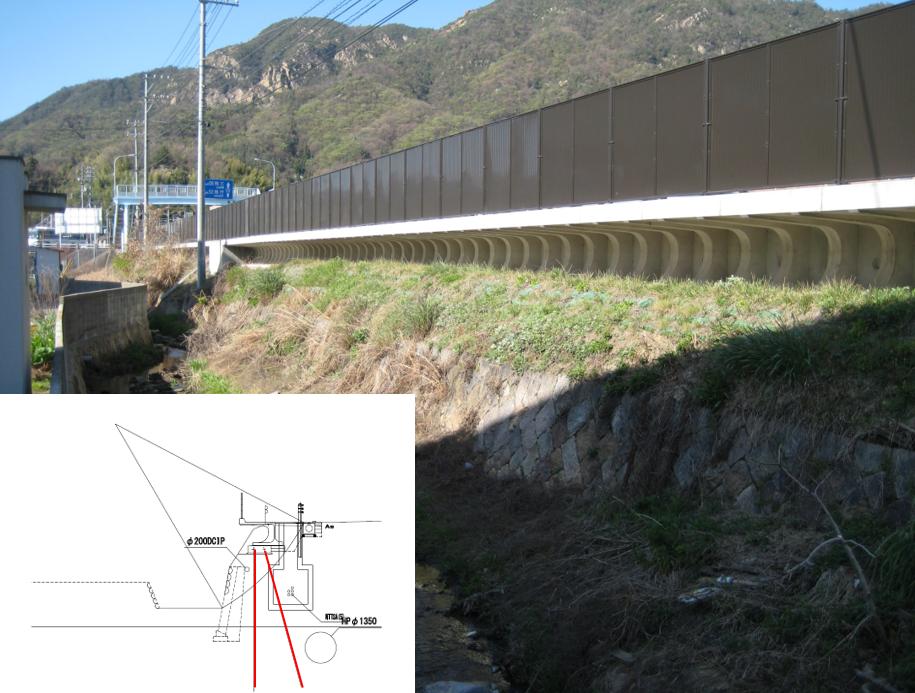 張り出し歩道の基礎補強に用いられた網状鉄筋挿入工(EPルートパイル)