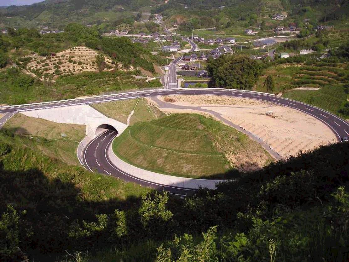 橋梁代替案として使用されたアーチカルバート(テクスパン工法)