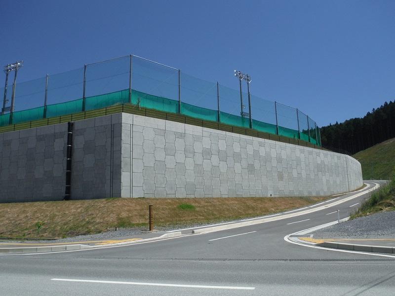 【災害復興】高台移転工事で採用された補強土壁|テールアルメ工法