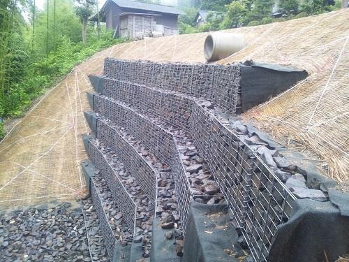 土砂災害復旧工事に使用されたHHW(大型カゴ枠)