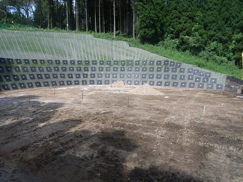 同時削孔注入を可能とした切土補強土工法(スーパーダグシム)